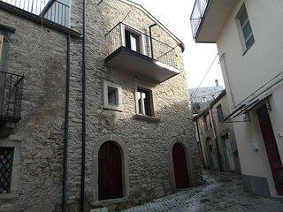 Dieci Tornesi Case vacanze di Michelangelo Germanò - Montalbano Elicona vacation rentals