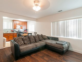 Two Bedroom one bathroom duplex in downtown San Jose - San Jose vacation rentals