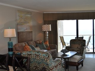Beautiful Condo with Deck and Internet Access - Sadat City vacation rentals
