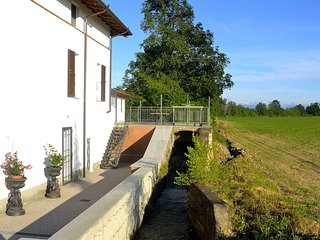 Lovely Apartment in Bosco Marengo with Television, sleeps 4 - Bosco Marengo vacation rentals