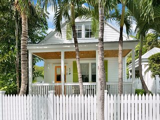 Chick-a-Pea's Cottage: Pet-Friendly with Fenced Yard! Parking & Private Pool - Key West vacation rentals