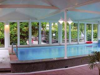 Nice Condo with Shared Outdoor Pool and Television - Burhave vacation rentals