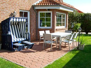 Comfortable 2 bedroom House in Dornumersiel with Internet Access - Dornumersiel vacation rentals