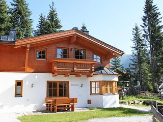 4 bedroom House with Internet Access in Almdorf Konigsleiten - Almdorf Konigsleiten vacation rentals