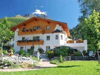 Comfortable 2 bedroom Condo in Pettneu am Arlberg with Internet Access - Pettneu am Arlberg vacation rentals