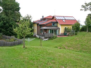 Beautiful House with Television and Balcony - Geinberg vacation rentals