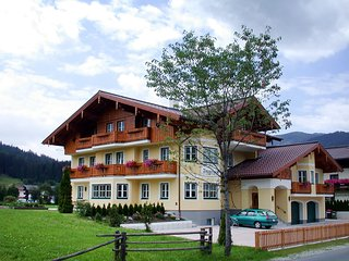 Beautiful 2 bedroom Flachau Apartment with Internet Access - Flachau vacation rentals