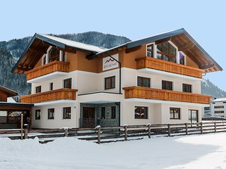 Bright Apartment with Television and Microwave in Flachau - Flachau vacation rentals