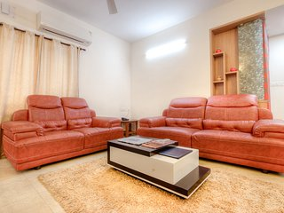 Cozy Condo with Internet Access and A/C - Chennai (Madras) vacation rentals