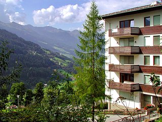 Wonderful Apartment with Television and Balcony - Bad Gastein vacation rentals