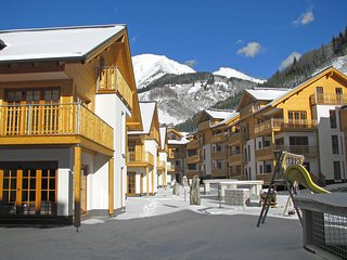 Comfortable Condo with Internet Access and Shared Outdoor Pool - Rauris vacation rentals