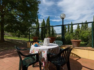 Two bedrooms apartment with pool near the Chianti village of Cerbaia, apt. #10 - Montagnana Val di Pesa vacation rentals