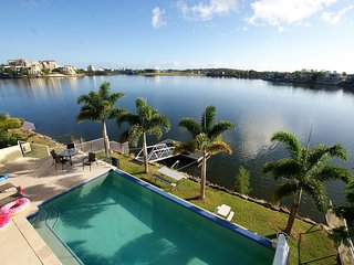 Lakehouse Family Oasis | HEATED POOL | ELEGANT WATERFRONT LIVING | by Getastay - Varsity Lakes vacation rentals