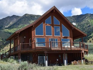 5 Bedroom3 BA Minutes to Yellowstone Park/Also See listing#3319032for open dates - West Yellowstone vacation rentals