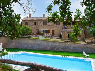 Nice Condo with Shared Outdoor Pool and Balcony - Pitigliano vacation rentals