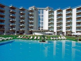 Beautiful 1 bedroom Silvi Marina Apartment with A/C - Silvi Marina vacation rentals