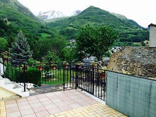 Grand T4 à la montagne 88m² 3 ch. 7 pers. Esquieze - Esquieze-Sere vacation rentals