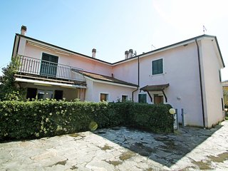 Bright 2 bedroom Ameglia House with Internet Access - Ameglia vacation rentals