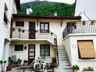 Location vacances 4 pers. Luz Saint Sauveur - Esquieze-Sere vacation rentals