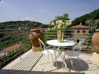 Nice 1 bedroom Vinci Condo with Internet Access - Vinci vacation rentals