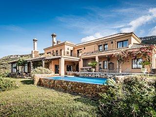 Beautiful 9 bedroom Benalup-Casas Viejas Villa with Internet Access - Benalup-Casas Viejas vacation rentals