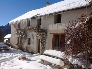 Gite Du Vallon - Sleeps 8, 10 or 18 - beautiful converted barn with mod cons - Chantelouve vacation rentals