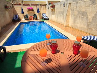 New & Luxury Holiday Farmhouse with Large Sunny Private Pool in Island of Gozo - Xewkija vacation rentals
