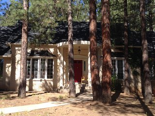 Close to town Beautiful Large Mountain Home Pet Friendly WIFI - Flagstaff vacation rentals