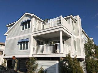 Location! Huge Oceanside Fenwick Island House - 11 Bedrooms - Sleeps 28 in Beds! - Fenwick Island vacation rentals