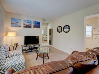 Charming updated dog-friendly condo w/shared patio - near the beach & SeaWorld! - Pacific Beach vacation rentals