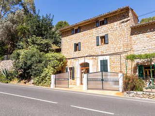 Beautiful 4 bedroom House in Soller with Internet Access - Soller vacation rentals