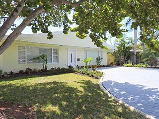 Spacious House with Internet Access and A/C - Dania Beach vacation rentals