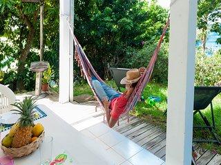 villa Blanche APPARTEMENT T2 sur jardin VUE MER - Les Anses d'Arlet vacation rentals