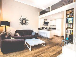 Magnifique appartement avec accès direct à la plage de la mala - Cap d'Ail vacation rentals