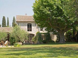 Luxury Provence Villa Close to St Remy - Le Mas de St Remy - Saint-Remy-de-Provence vacation rentals