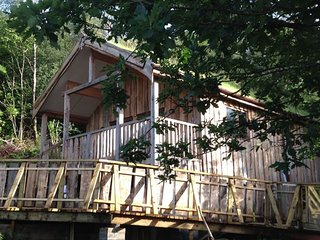 Comfortable House with Deck and Washing Machine - Fort William vacation rentals