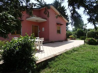 Bright 2 bedroom Benevento Villa with Housekeeping Included - Benevento vacation rentals
