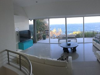 Absolute waterfront house - Maroubra vacation rentals