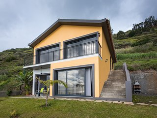 Beautiful ground floor, apartment with stunning views - Arco da Calheta vacation rentals