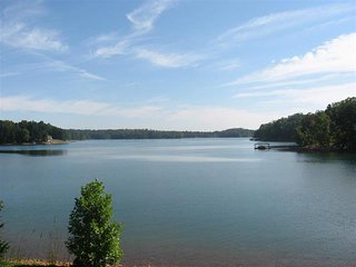 Perfect House with Deck and Boat Available - Seneca vacation rentals