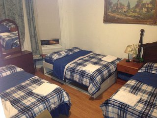 JSQ6,Cheap stay NYC,next to train,food/shopping.Amenities incl.AC/heat - Jersey City vacation rentals