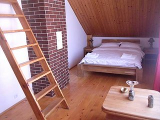 Villa Raze De Soare / Room, Nr.4 (Commun Bathroom) - Oradea vacation rentals