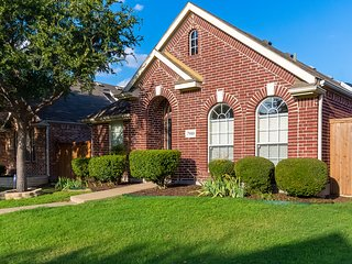 Fully Renovated Vacation Home Located In Nice Neighborhood In North Plano - Plano vacation rentals