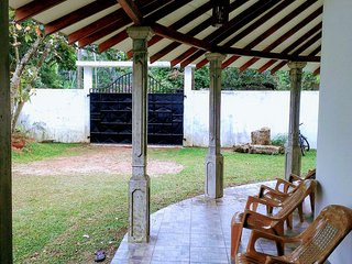 Cozy 3 bedroom Induruwa Villa with Boat Available - Induruwa vacation rentals