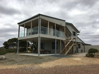 Gorgeous House with A/C and Boat Available - Mount Dutton Bay vacation rentals