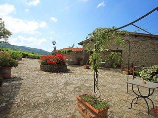 Romantic 1 bedroom Condo in Castelfranco di Sopra with Internet Access - Castelfranco di Sopra vacation rentals