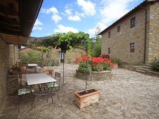 Comfortable 2 bedroom Vacation Rental in Castelfranco di Sopra - Castelfranco di Sopra vacation rentals