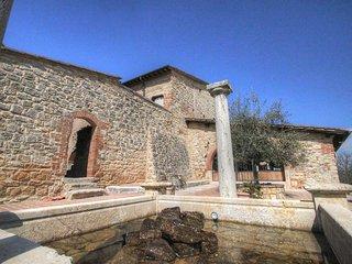 Nice Condo with Internet Access and Television - Serre di Rapolano vacation rentals