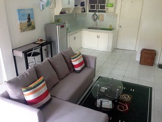 BEST VALUE 6 [Huge Living & Kitchen] Angeles Apart - Angeles vacation rentals