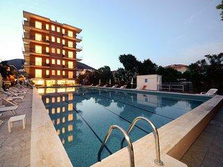 Bright 1 bedroom Condo in Pietra Ligure with Internet Access - Pietra Ligure vacation rentals